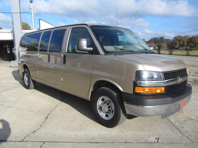 2011 Chevrolet Express 15 Passenger 1LT Houston, Mississippi 1