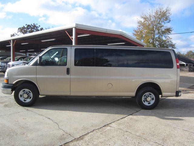 2011 Chevrolet Express 15 Passenger 1LT Houston, Mississippi 2