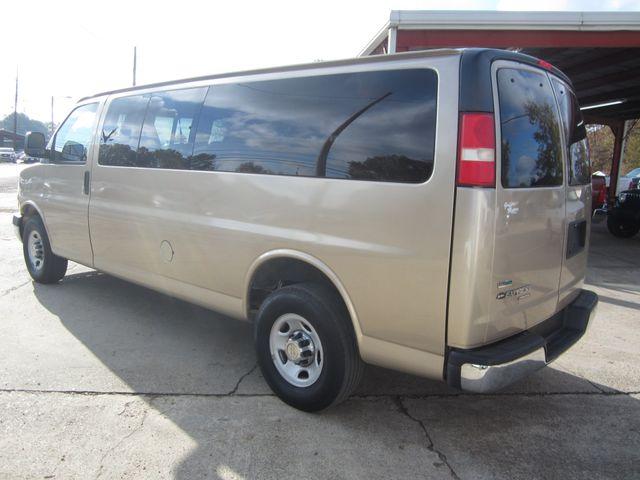 2011 Chevrolet Express 15 Passenger 1LT Houston, Mississippi 5