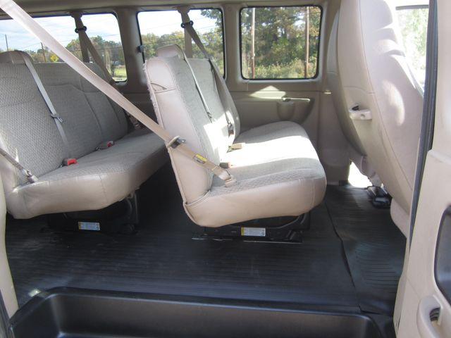 2011 Chevrolet Express 15 Passenger 1LT Houston, Mississippi 8