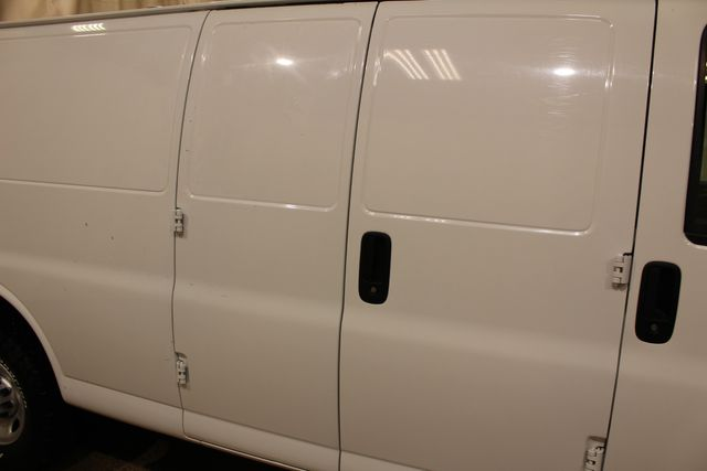 2011 Chevrolet Express Cargo Van Quigley van 4x4 in Roscoe, IL 61073