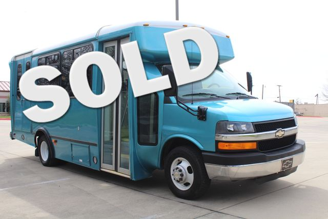 2011 Chevrolet Express  Champion Shuttle Bus W/ Wheelchair Lift Irving, Texas