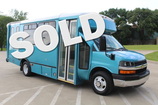 2011 Chevrolet Express G4500 13 Passenger   Champion Shuttle Bus W/ Wheelchair Lift Irving, Texas 0
