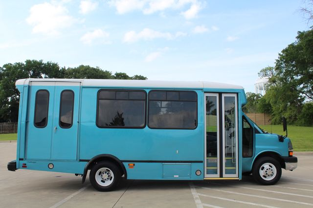 2011 Chevrolet Express G4500 13 Passenger   Champion Shuttle Bus W/ Wheelchair Lift Irving, Texas 11