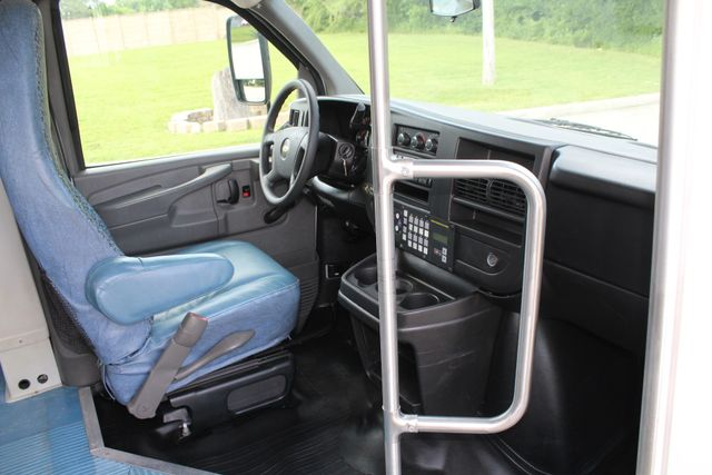 2011 Chevrolet Express G4500 13 Passenger   Champion Shuttle Bus W/ Wheelchair Lift Irving, Texas 14