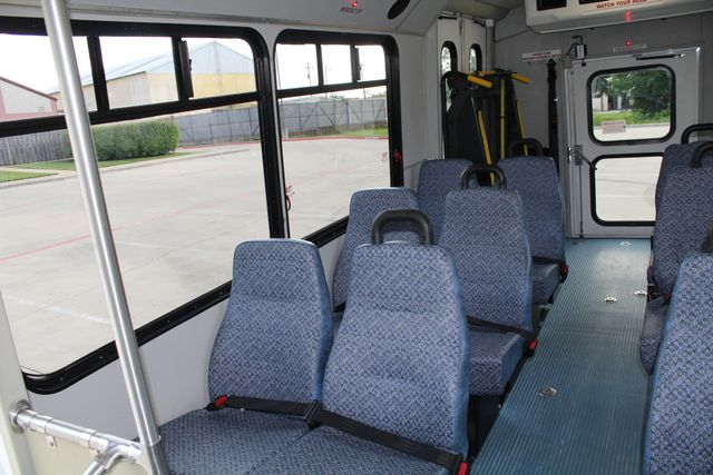 2011 Chevrolet Express G4500 13 Passenger   Champion Shuttle Bus W/ Wheelchair Lift Irving, Texas 18
