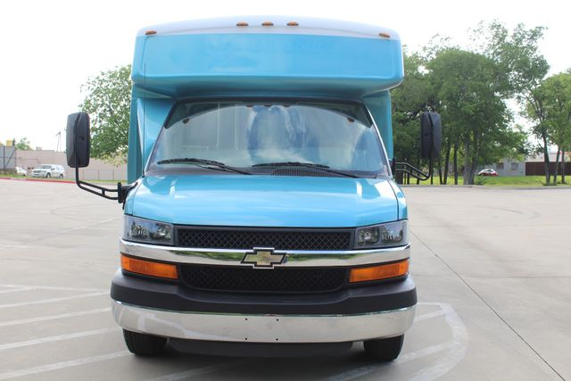 2011 Chevrolet Express G4500 13 Passenger   Champion Shuttle Bus W/ Wheelchair Lift Irving, Texas 3