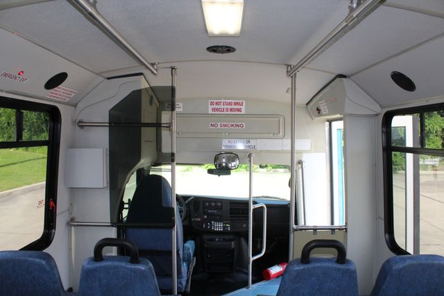 2011 Chevrolet Express G4500 13 Passenger   Champion Shuttle Bus W/ Wheelchair Lift Irving, Texas 32