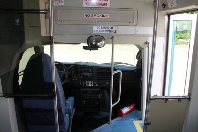 2011 Chevrolet Express G4500 13 Passenger   Champion Shuttle Bus W/ Wheelchair Lift Irving, Texas 33