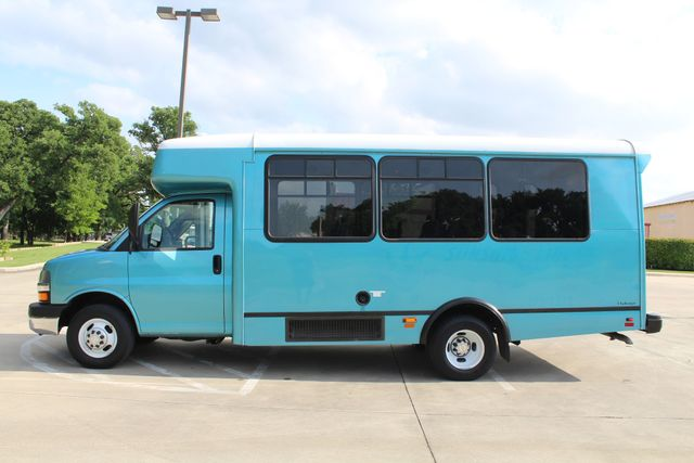 2011 Chevrolet Express G4500 13 Passenger   Champion Shuttle Bus W/ Wheelchair Lift Irving, Texas 7