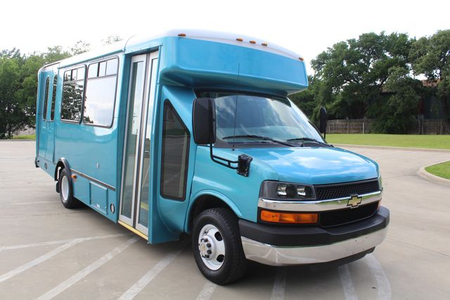 2011 Chevrolet Express G4500 13 Passenger   Champion Shuttle Bus W/ Wheelchair Lift Irving, Texas 70