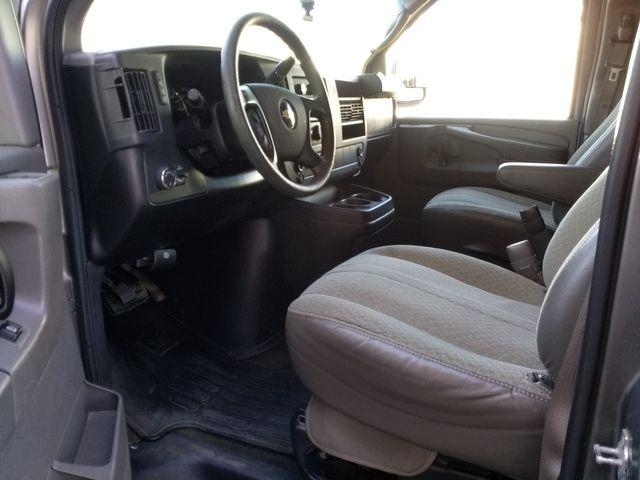 2011 Chevrolet Express Passenger 1LT Houston, Mississippi 7