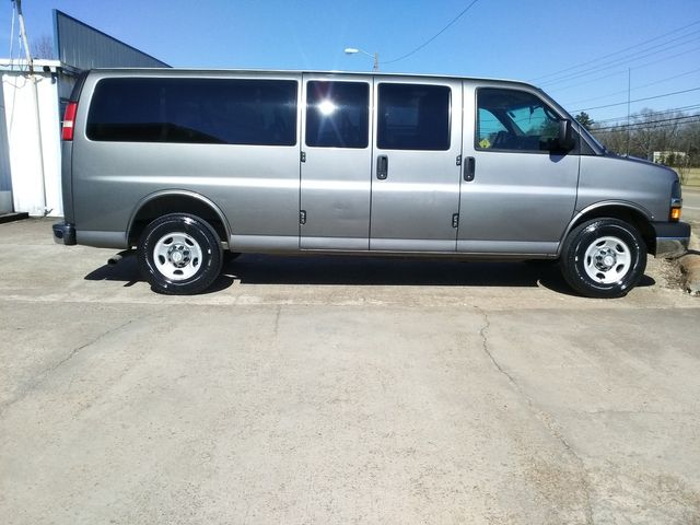 2011 Chevrolet Express Passenger 1LT Houston, Mississippi 3