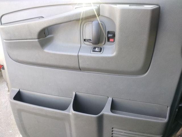 2011 Chevrolet Express Passenger 1LT Houston, Mississippi 14