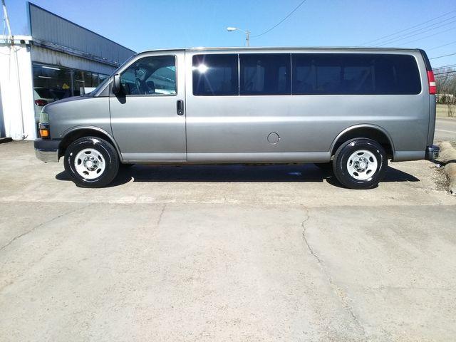 2011 Chevrolet Express Passenger 1LT Houston, Mississippi 2