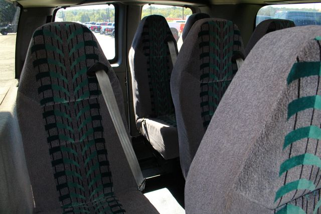 2011 Chevrolet Express Passenger 2LT Mooresville , NC 34