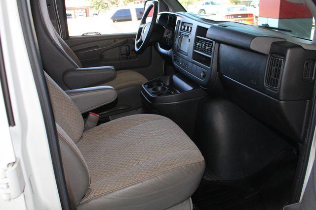 2011 Chevrolet Express Passenger 2LT Mooresville , NC 25