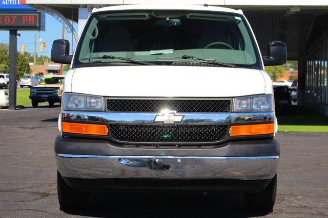 2011 Chevrolet Express Passenger 2LT Mooresville , NC 3