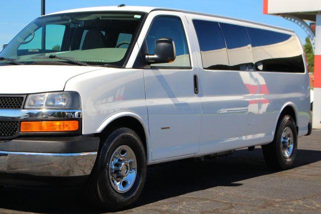 2011 Chevrolet Express Passenger 2LT Mooresville , NC 2