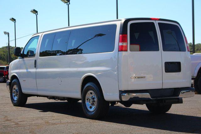 2011 Chevrolet Express Passenger 2LT Mooresville , NC 7