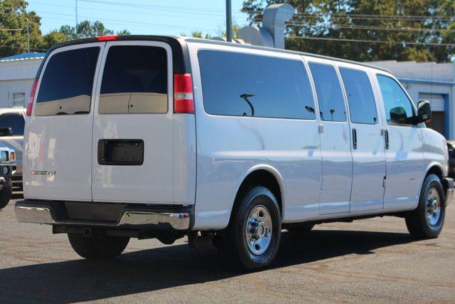 2011 Chevrolet Express Passenger 2LT Mooresville , NC 6