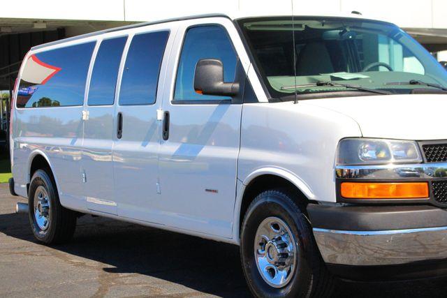 2011 Chevrolet Express Passenger 2LT Mooresville , NC 4