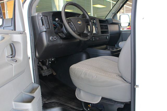 2011 Chevrolet Express Passenger 2LT Mooresville , NC 22