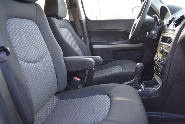 2011 Chevrolet HHR LS Naugatuck, Connecticut 3
