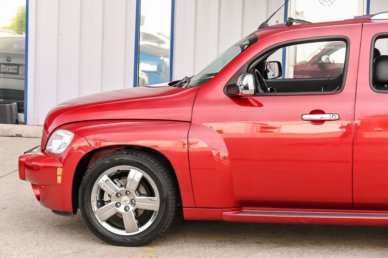 2011 Chevrolet HHR LT w/2LT/AUX/LEATHER/SUNROOF/LOW MILES/ UBER CLEAN in Rowlett, Texas