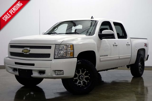2011 Chevrolet Silverado 1500 LT Z71 Crew Cab 4 Wheel Drive in Dallas Texas, 75220