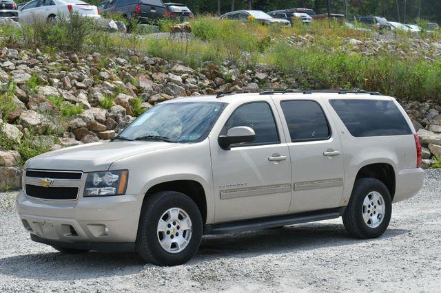 2011 Chevrolet Suburban LT 4WD Naugatuck, Connecticut 2