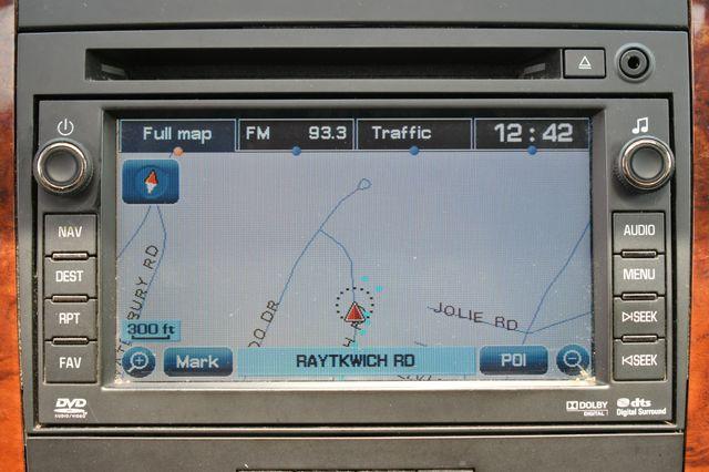 2011 Chevrolet Suburban LT 4WD Naugatuck, Connecticut 25