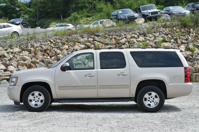 2011 Chevrolet Suburban LT 4WD Naugatuck, Connecticut 3