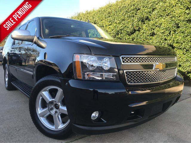 2011 Chevrolet Suburban LTZ 4WD w/Navigation, Sunroof, and Entertainment