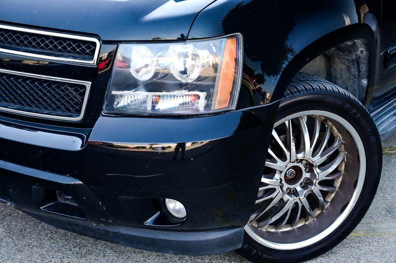 2011 Chevrolet Suburban 5.3L V8 LT 4WD LEATHER, BOSE STEREO, PWR WINDOWS in Rowlett, Texas