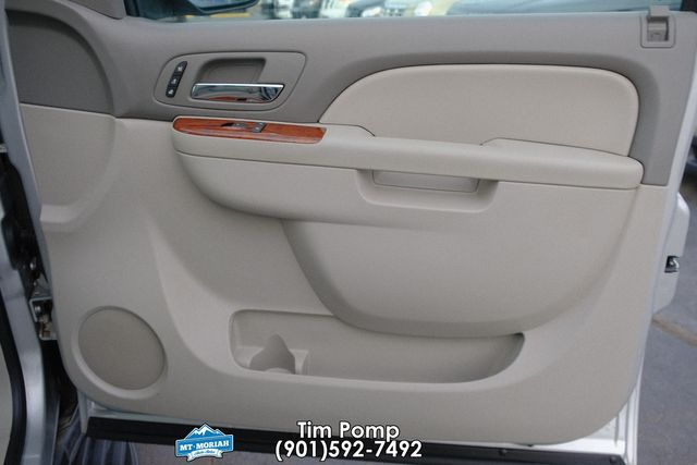 2011 Chevrolet Tahoe LTZ / SUNROOF LEATHER NAVIGATION in Memphis, Tennessee 38115