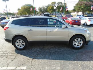 2011 Chevrolet Traverse LT w1LT  Abilene TX  Abilene Used Car Sales  in Abilene, TX