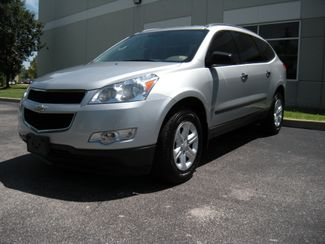 2011 Chevrolet Traverse LS Chesterfield, Missouri 1