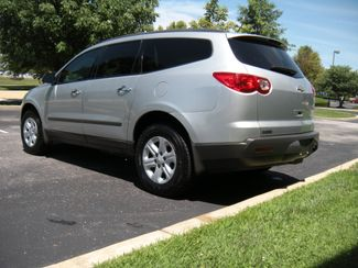 2011 Chevrolet Traverse LS Chesterfield, Missouri 4