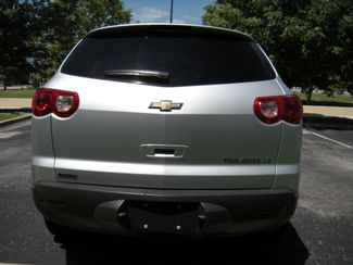 2011 Chevrolet Traverse LS Chesterfield, Missouri 6