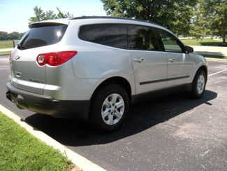 2011 Chevrolet Traverse LS Chesterfield, Missouri 5