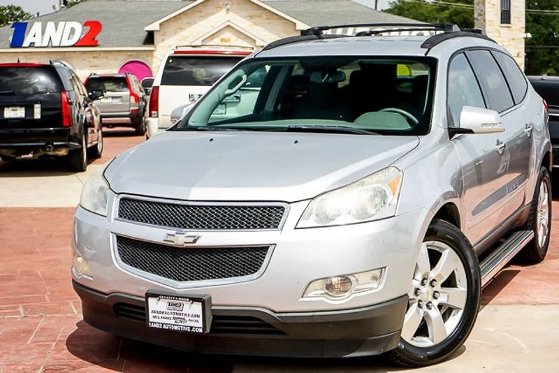 2011 Chevrolet Traverse LT w/1LT in Dallas TX