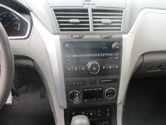 2011 Chevrolet Traverse LT w/2LT Farmington, MN 6