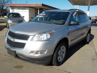 2011 Chevrolet Traverse LS Fayetteville , Arkansas 1
