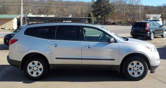 2011 Chevrolet Traverse LS Fayetteville , Arkansas 3