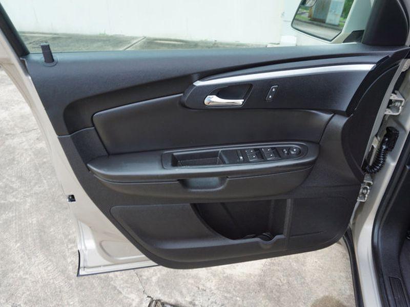 2011 Chevrolet Traverse LT w1LT  city LA  AutoSmart  in Harvey, LA