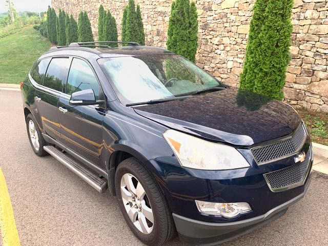 2011 Chevrolet-3 Owner!! 3rd Row ! Traverse-CARMARTSOUTH.COM 20 YRS IN BUSINESS LT