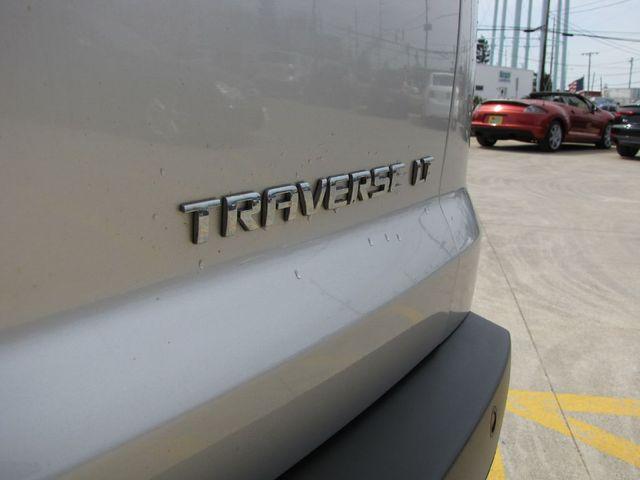 2011 Chevrolet Traverse LT w/1LT in Medina OHIO, 44256