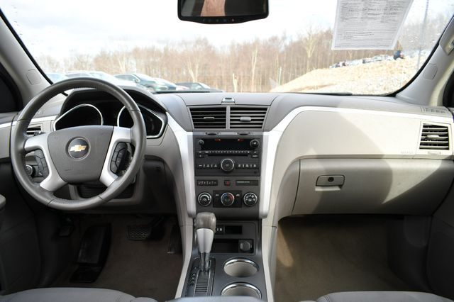 2011 Chevrolet Traverse LT Naugatuck, Connecticut 15
