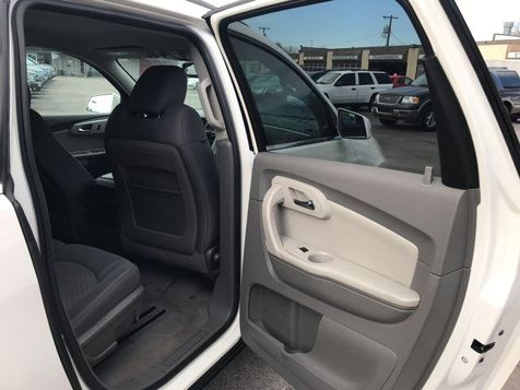 2011 Chevrolet Traverse LT   Oklahoma City, OK   Norris Auto Sales (NW 39th) in Oklahoma City, OK